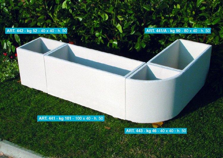 Arredi per giardino cassette vasi fontane arredo urbano - Vasi in giardino ...
